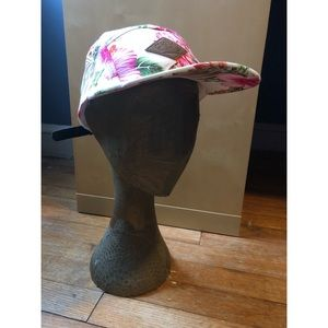 Accessories - NWOT Tropical Floral Printed Hat
